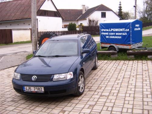 VW Passat 2,8 tiptronic 142kW - ESGI 2 BLACK 6-ti válec